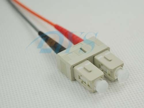 SC Multimode Duplex Optical Fiber Connectors Beige House For 3.0mm Cable Jacket ผู้ผลิต